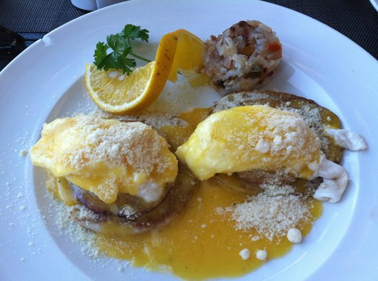 Jacks Bar & Grill: Eggs Benedict at Jack's