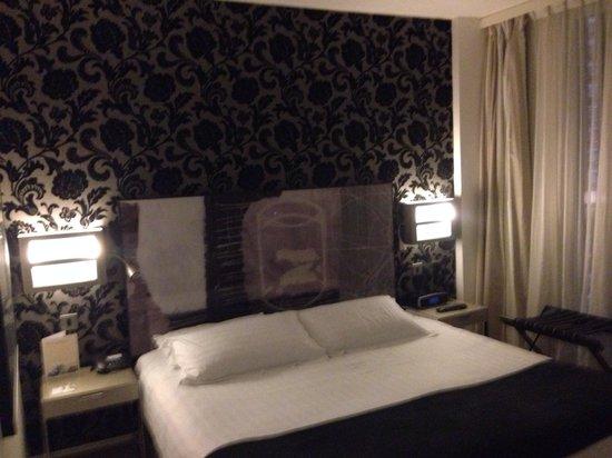 H10 London Waterloo: Hotelzimmer