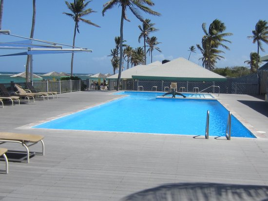 Nisbet Plantation Beach Club: The pool at Nisbet