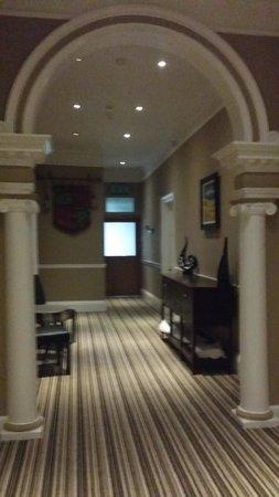Savoy Park Hotel: grand hallway