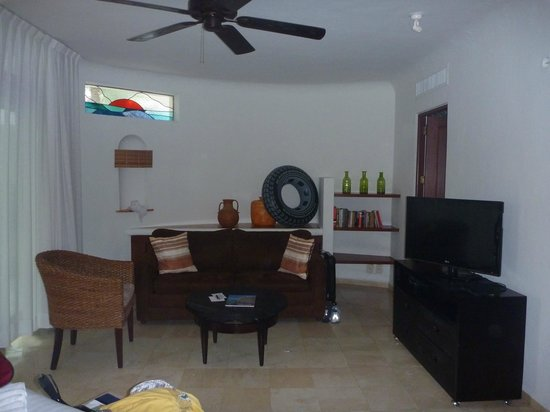 Playa Palms Beach Hotel: living area