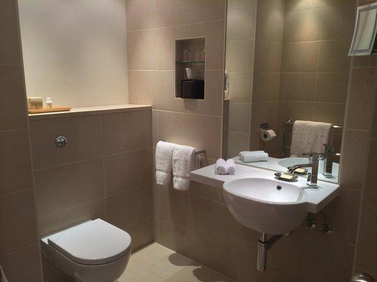 COMO Metropolitan London: Lovely bathroom