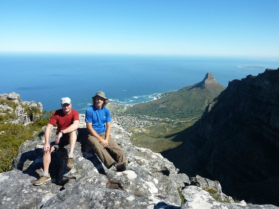 Hike Table Mountain: taking a break with our guide Riaan