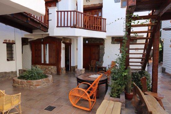 Hotel Killa Cafayate : Les chambres (vue de l'extérieur)
