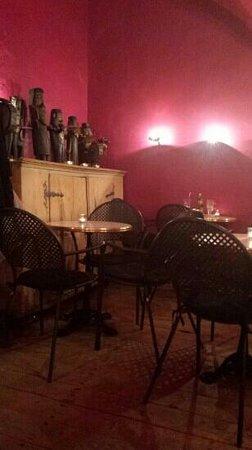 Cafe Camelot : interior
