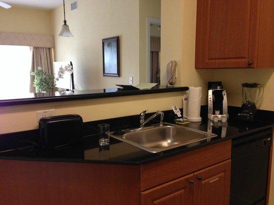 The Point Hotel & Suites: cocina y comedor