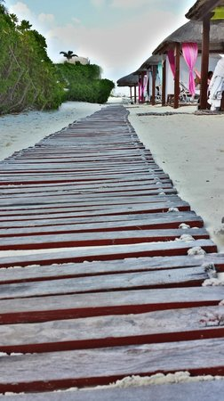 Ritz-Carlton Cancun Walkway to Cabanas