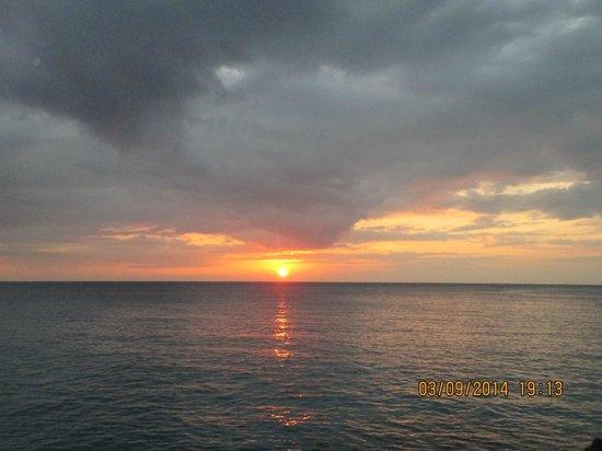 Citronella : Amazing sunset views