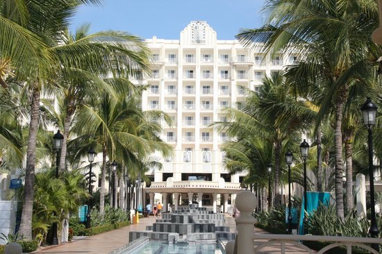 Hotel Riu Vallarta : back of resort