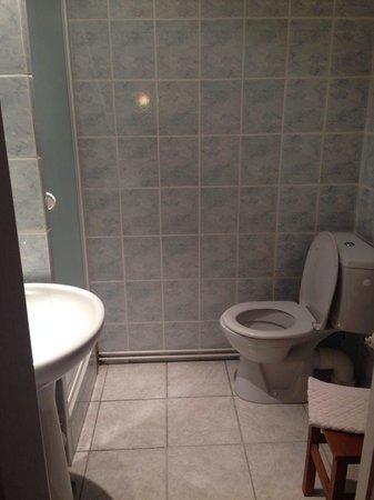 Nouvel Hotel : Salle de bain