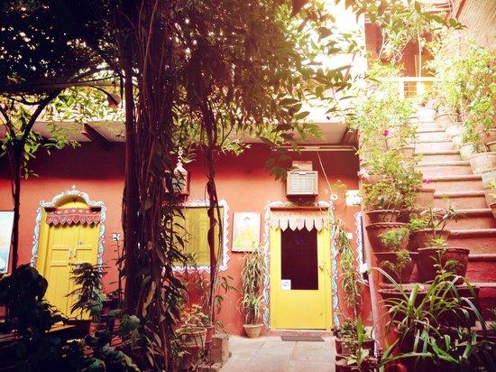 Ganpati Guest House : Courtyard