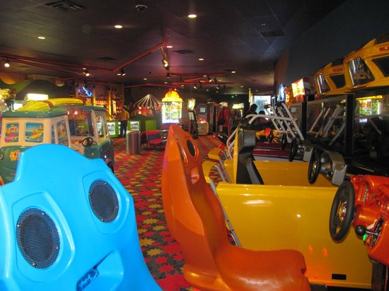 Disney's Pop Century Resort : sala de videojuegos