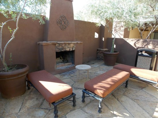 Cibola Vista: outdoor fireplace