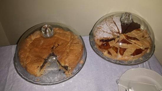 Palazzo Magnocavallo B&B: Le torte! :-)