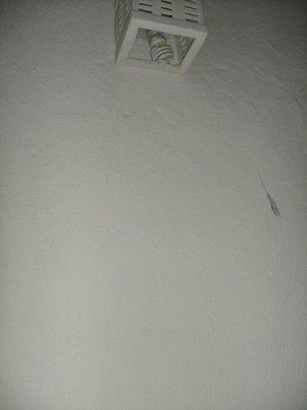 La Posada de los Tumpis: Telas de araña colgando en las habitaciones