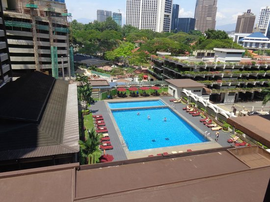 Concorde Hotel Kuala Lumpur : Beautiful pool as seen from our room