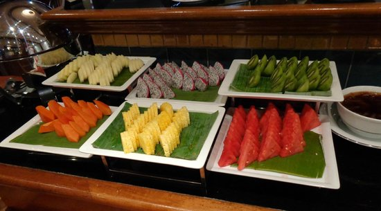 Concorde Hotel Kuala Lumpur : Fruit selection at breakfast
