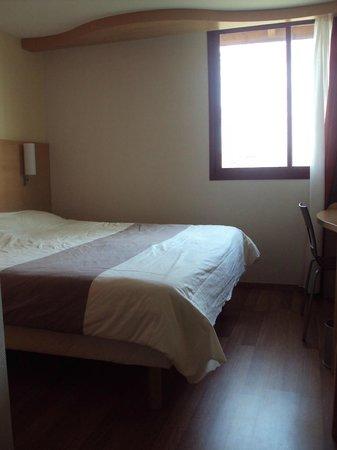 Ibis Bordeaux Saint Emilion : Habitación doble estándar.