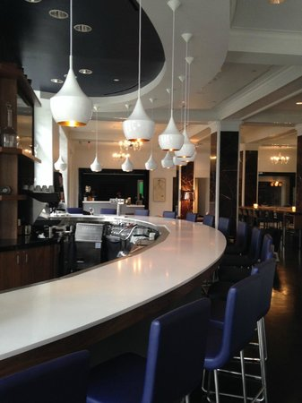 Le Meridien Dallas, The Stoneleigh: bar