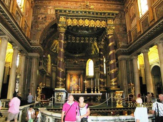 Basilica di Santa Maria Maggiore: Altar mayor, el baldaquino