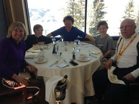 Outstanding experience at Hazie's - Three generations of skiers