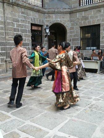 Intramuros: Fearured Folk Dances