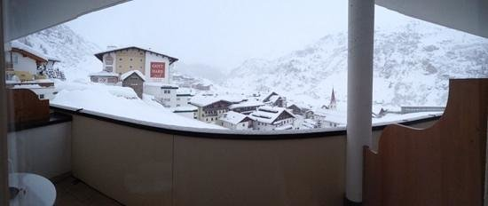 Austria Bellevue Hotel: Balcony view - not bad!