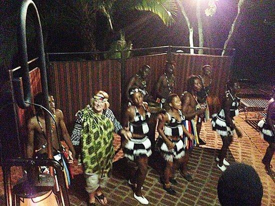 The Boma - Dinner & Drum Show : Dancing