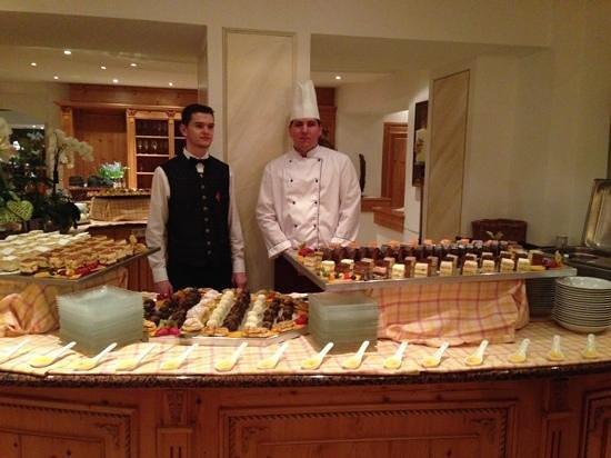 Austria Bellevue Hotel: dessert buffet yum!