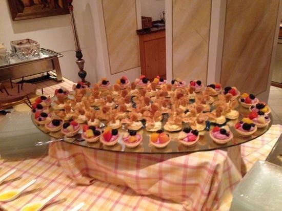 Austria Bellevue Hotel: More dessert buffet...