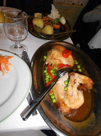 Joao do Grao: Frango assado e salmão grelhado