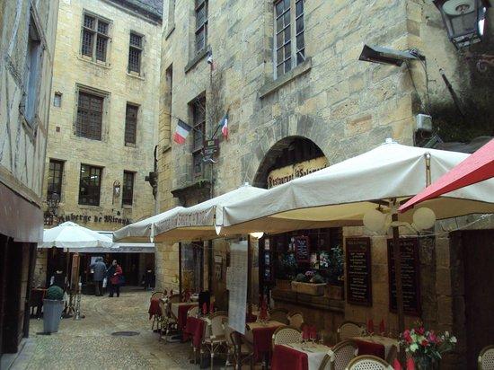 Auberge de la Salamandre: El restaurante está en un edificio del s. XV.