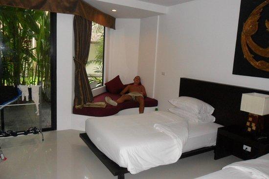 Nai Yang Beach Resort and Spa : divano stanza
