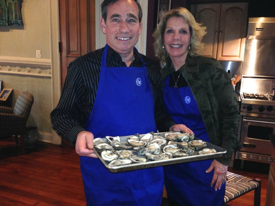 Sully Mansion Bed and Breakfast: Shucking the oysters