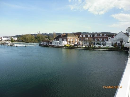 Riverside Restaurant: The Compleat Angler (tea was served in white single story building on left by the river)