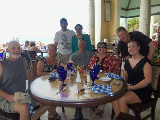 Sandals Regency La Toc: Dining with friends