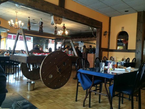 Rodeio Grill and Restaurant: inside