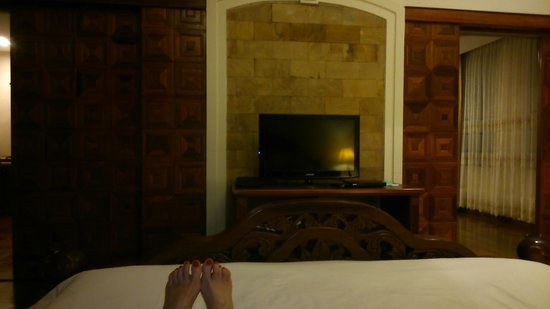 Pacific Hotel & Spa: The Bedroom TV with plenty of English speaking channels