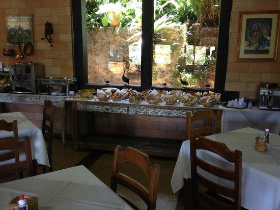 Pousada Santha Serra: Café da manhã