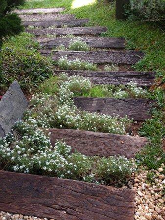Pousada Santha Serra: Escada charmosa!