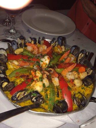 El Pobre Marino: Cazuela de mariscos para dos! Súper abundante!