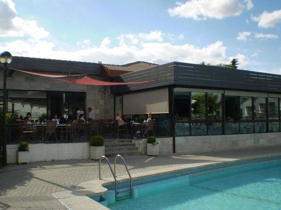 Hotel Osuna: piscina 2