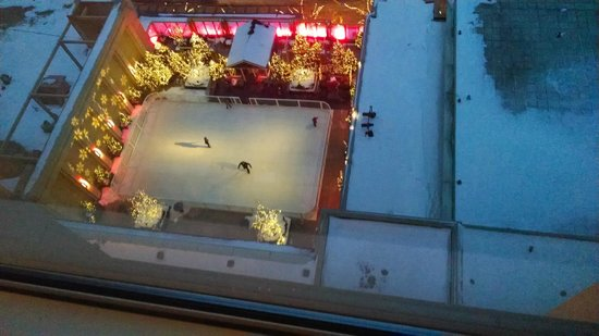 The Peninsula Chicago: Watching ice skaters from our room