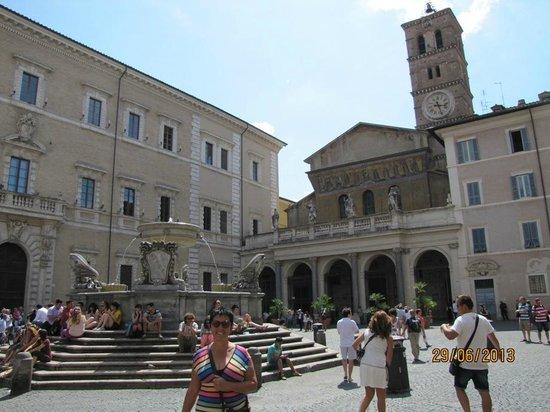 Santa Maria in Trastevere: Fachada