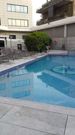 Hotel SB Icaria Barcelona: Piscina