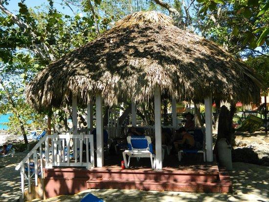 Casa Marina Reef: Gazebo near whirlpools