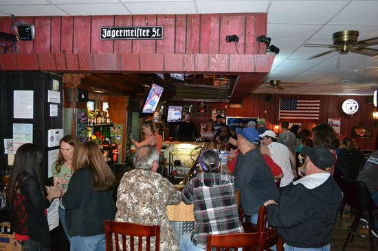 Frederick, CO: Buck's Happy Hour
