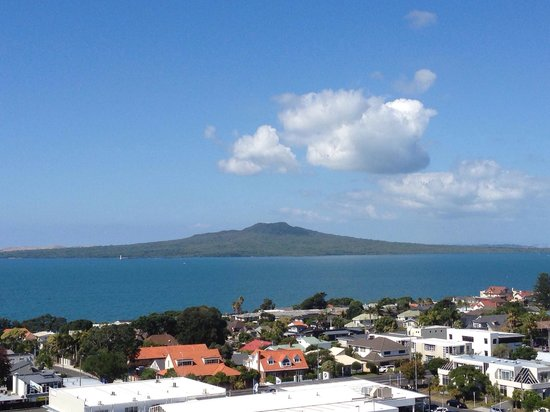 The Spencer on Byron Hotel: Rangitoto from level 10