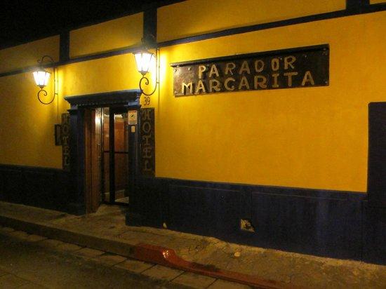 Hotel Parador Margarita: Street Entrance