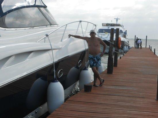 Sunset Marina Resort & Yacht Club: Pedrinho perto dos Iates